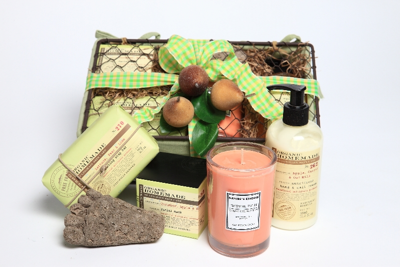 Spa Gift Basket with Organic Homemade Product