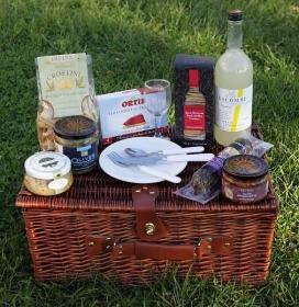 A Taste of the Mediterranean Picnic Basket