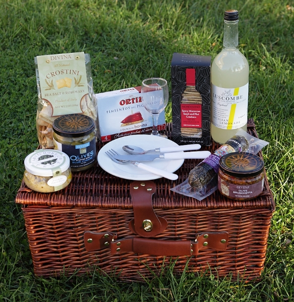 A Taste of the Mediterranean Picnic Basket